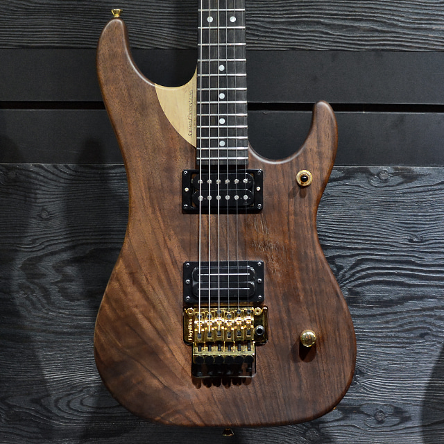 [중고] Washburn N4 WALNUT 25 LIMITED RUN Nuno Bettencourt Signature Series