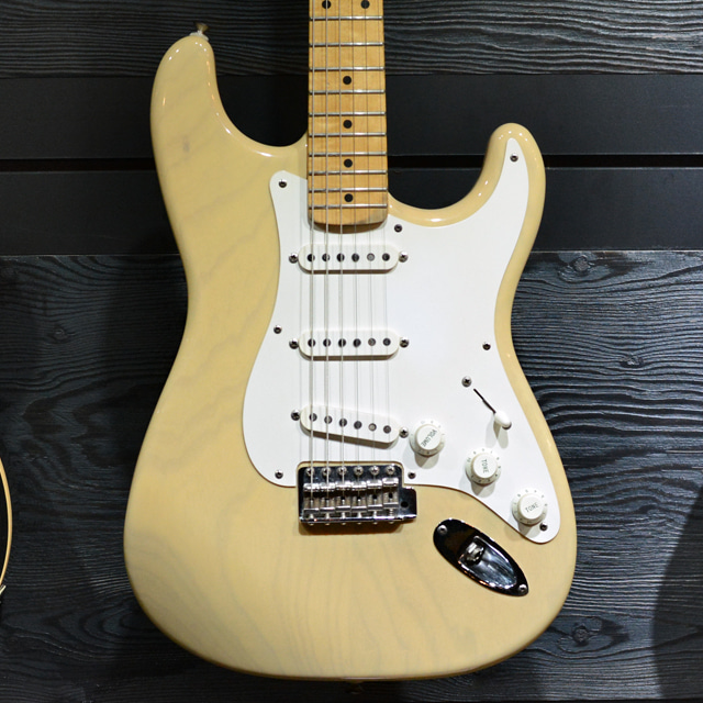 [중고] Fender USA Custom Shop '54 Reissue Stratocaster Blonde 1993'