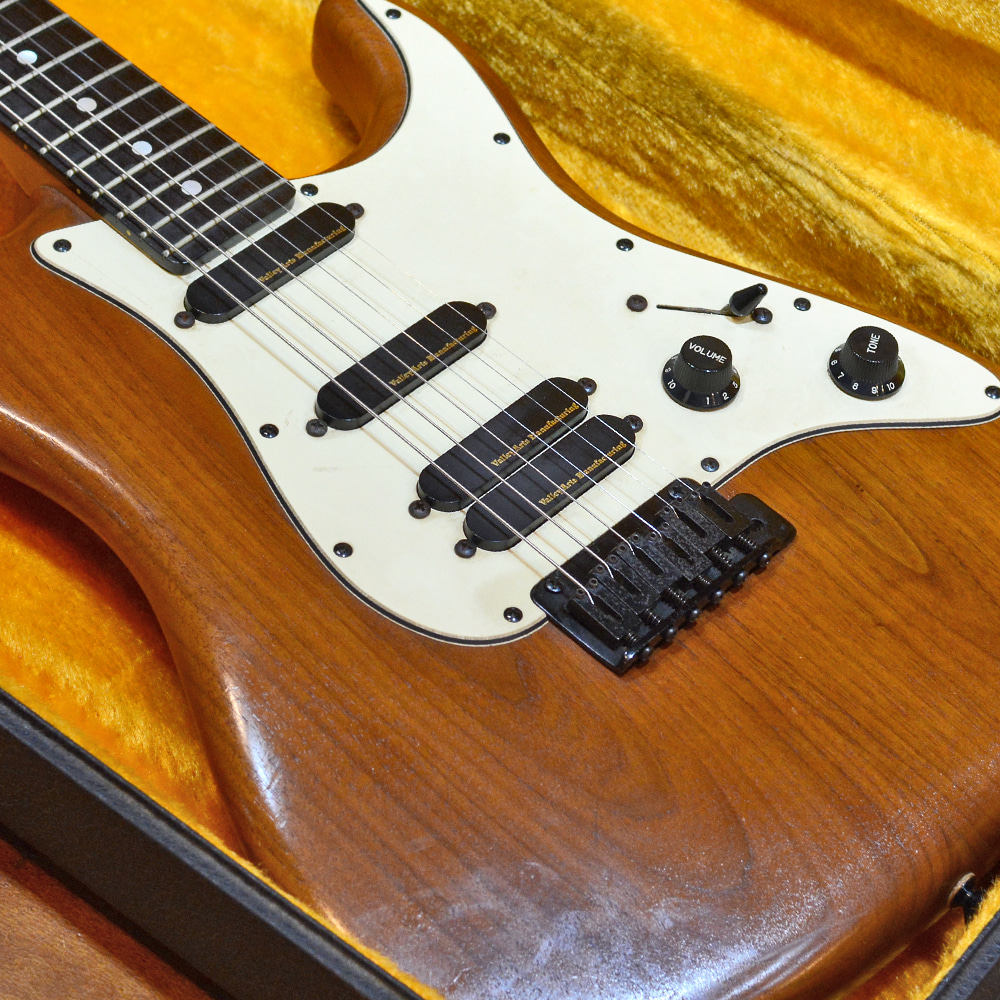 [중고] Valley Arts M Series Japan walnut HSS Stratocaster 1990's