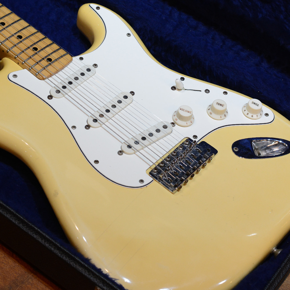 [중고] Fender USA Stratocaster Olympic White 1975'
