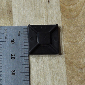 Cable mount 케이블 마운트 (20mm) 12개